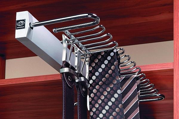 Problem z ciuchami w szafkach