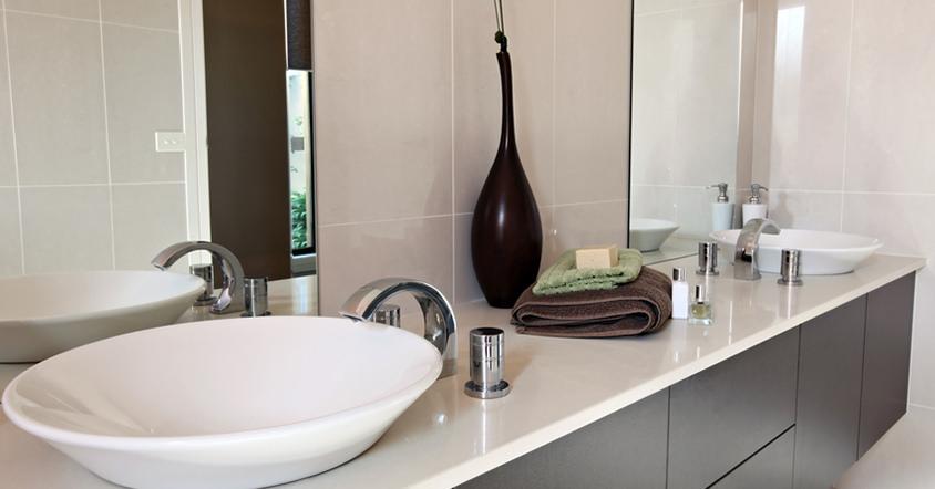 Szafki w łazience – wolnostojące czy z umywalką?