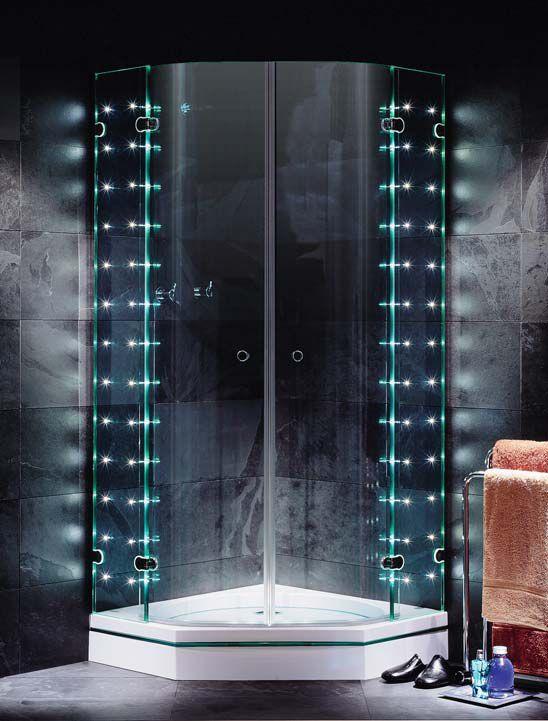 Pięknie oświetlony prysznic