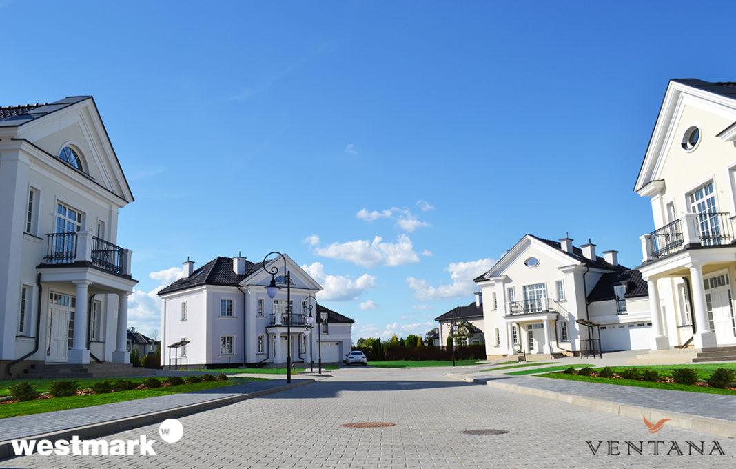 Wybieramy: Rezydencja na osiedlu od dewelopera czy własna inwestycja?